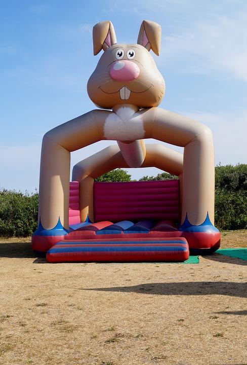 Comment choisir le château gonflable parfait pour la fête de votre enfant ?