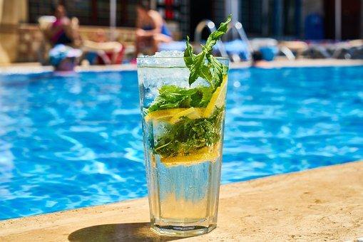 Profitez de votre séjour dans un des campings 4 étoiles avec piscine en Lozère